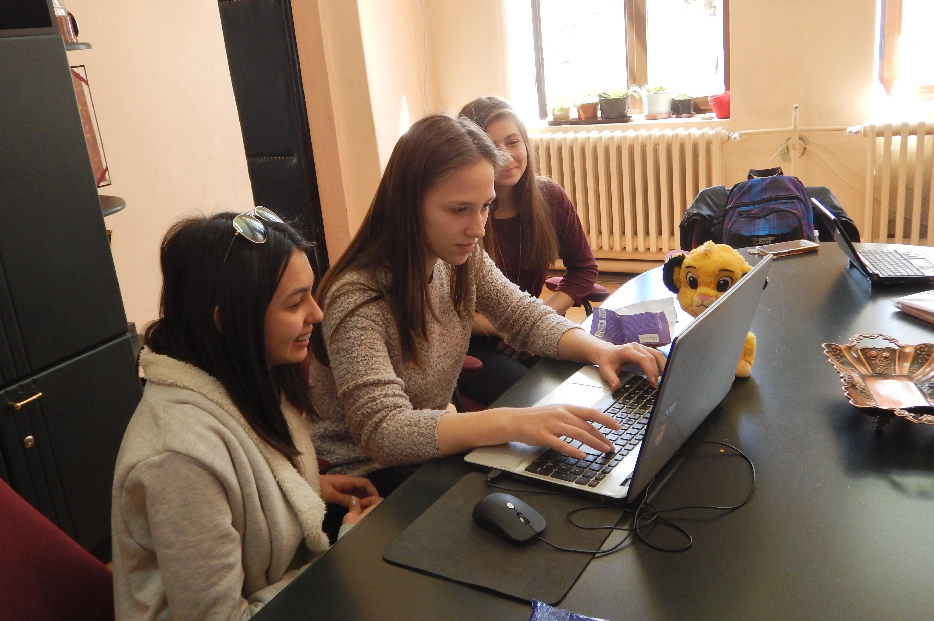 Работилница со младите википедијанци од Драчево